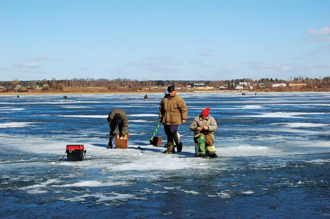 Рыбалка, рыбалка по перволедью, рыбалка по первому льду, правила безопасности на рыбалке, рыбалка зимой, зимняя рыбалка, рыбалка по льду, рыбалка на льду