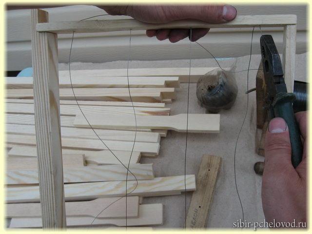 как натягивать каркас на рамку