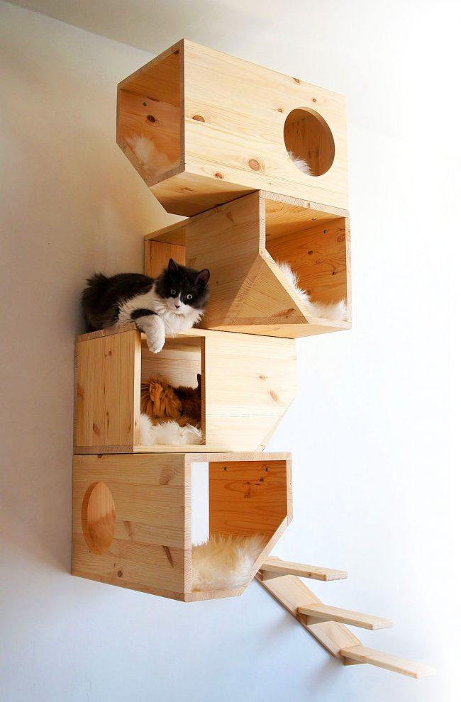 Настенный модерновый домик для нескольких кошек